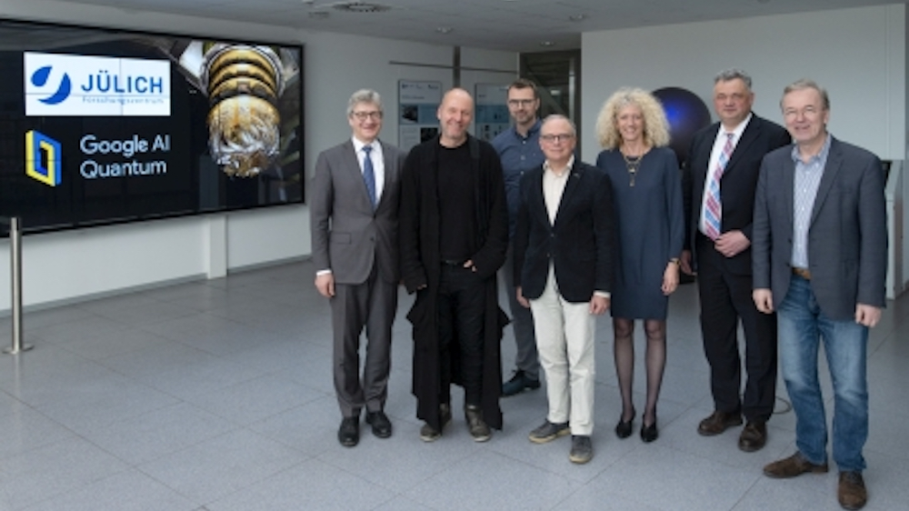 From left to right: Prof. Wolfgang Marquardt, Chairman of the Board of Directors of For-schungszentrum Jülich; Dr. Hartmut Neven, Technical Director at Google and Head of the Quantum Artificial Intelligence Lab; Dr. Markus Hoffmann, Head of Quantum Partnerships at Google; Prof. David DiVincenzo, Head of Peter Grünberg Institute (PGI-2 / IAS-3 / PGI-11), Forschungszentrum Jülich; Prof. Kristel Michielsen, JSC, Forschungszentrum Jülich; Prof. Sebastian M. Schmidt, Member of the Board of Directors of Forschungszentrum Jülich; Prof. Thomas Lippert, Head of JSC, Forschungszentrum Jülich  Copyright: Forschungszentrum Jülich / Kurt Steinhausen