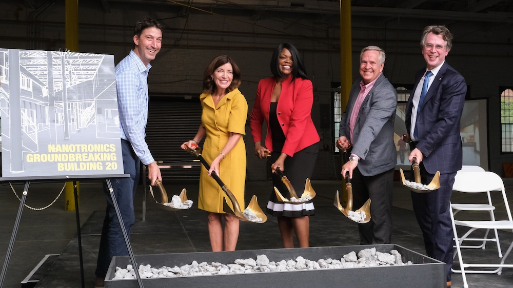 From Left to Right: David Ehrenberg, President and CEO, Brooklyn Navy Yard; Kathy Hochul, Lieutenant Governor of New York, Antoinette Roberson, Senior Director of Career Services at Medgar Evers College of New York; John Putman, President and Co-founder, Nanotronics; Matthew Putman, CEO and Co-founder, Nanotronics (Photo: Jorge Herrera, Nanotronics)