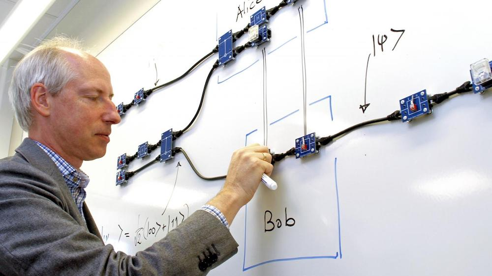 Jan-Åke Larsson and his co-workers have also supplemented their theoretical simulations with a physical version built with electronic components. The gates are similar to those used in quantum computers, and the toolkit simulates how a quantum computer works. Photo Karl Ofverstrom.